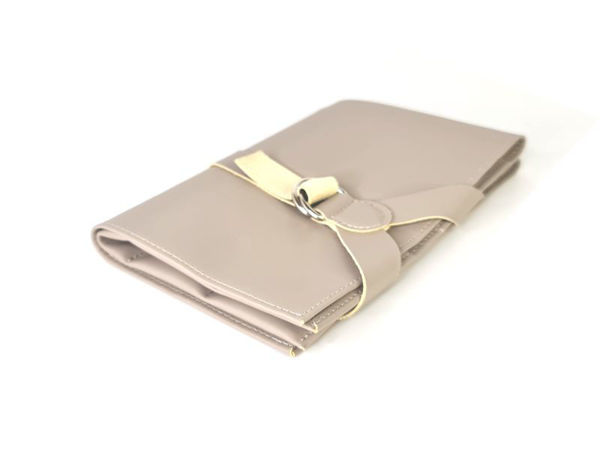 Picture of Microfiber Leather Essential Oil Organiser