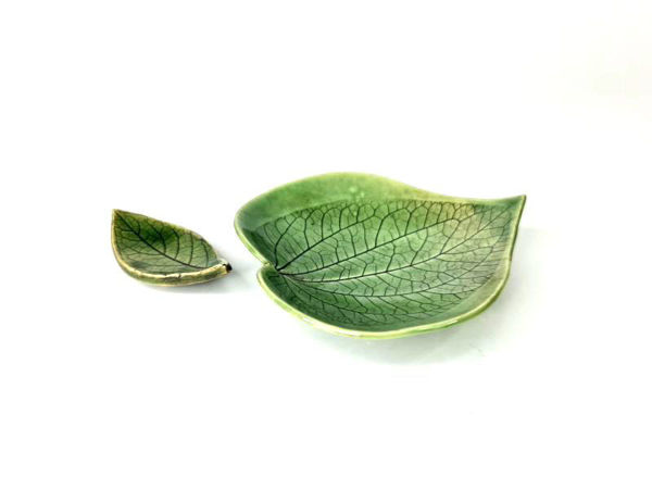 Picture of Heartgifts Ceramic Dish Palm-Sized Leaf Plate(Set of 2)