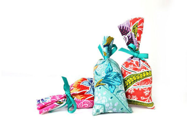 Picture of Heartgifts Lavender Fragrant Bag (Set of 3)