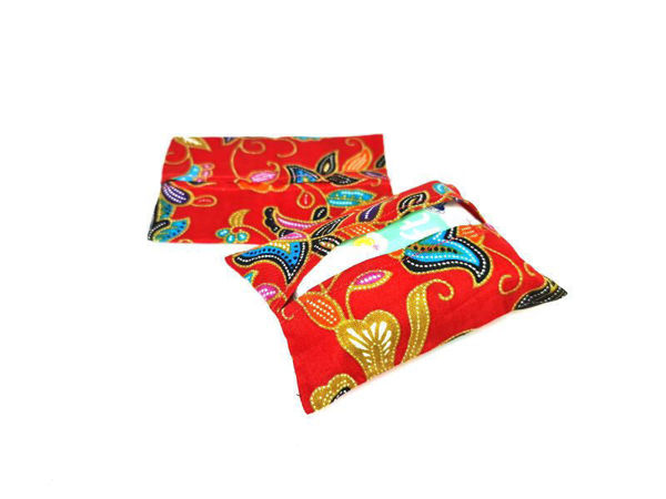 Picture of Heartgifts Batik Tissue Pouch