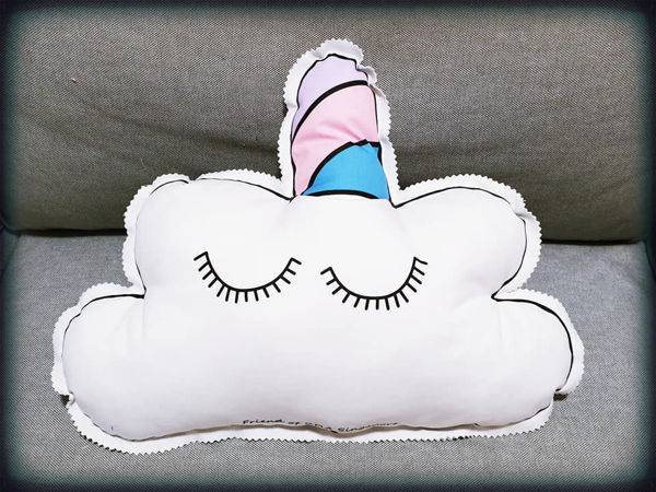 Picture of Unicorn cushion