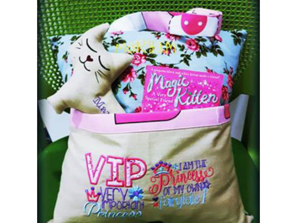 Picture of Reading Pillow