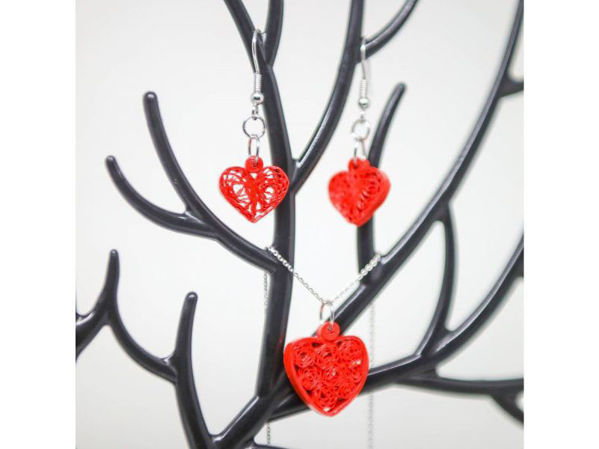 Picture of Quilled Heart Pendant & Earrings
