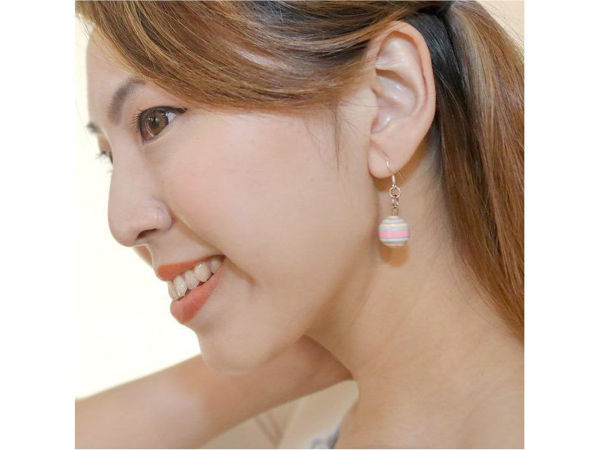 Picture of Egg Ear Rings