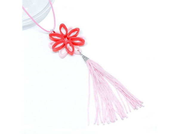 Picture of Flower Tassel Necklace