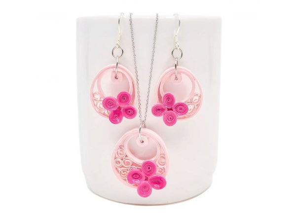 Picture of Pink Sonata Pendant & Earrings