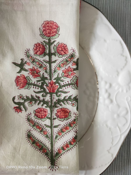 Picture of Red and green Mughal print table napkins