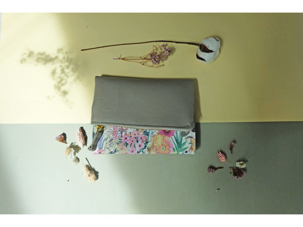Picture of Floral Grey Pursebook