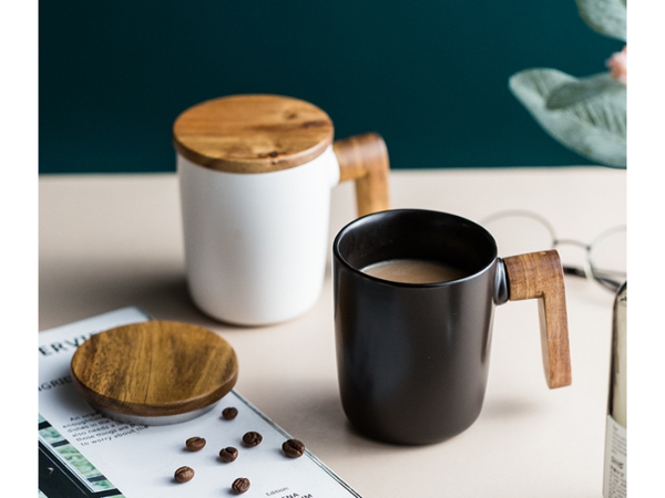Picture of Mug with Wooden Handle and Lid