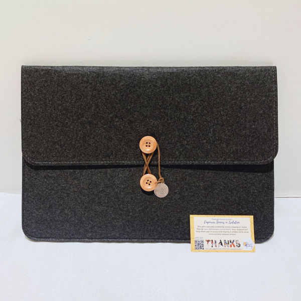 Picture of 14 inch Laptop Bag with 'be the change' charm (Dark Grey)