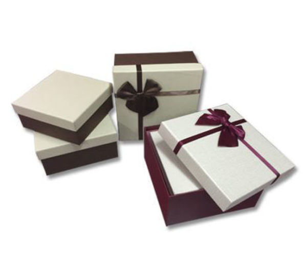 Picture of Medium Maroon Gift Box with Ribbon