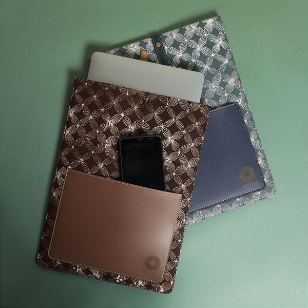 Picture of Brown Batik Laptop Sleeve
